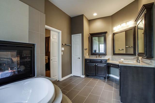 master bathroom remodel ideas 2017 - Grasscloth Wallpaper on Master Bath Remodel Ideas  id=40193