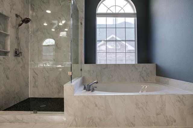 Master bath remodel frisco tx for Bath remodel frisco tx