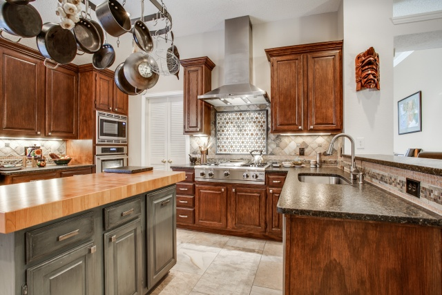 Images of Frisco TX Kitchen Remodel with New Appliances and Range Hood