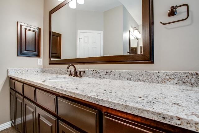 Master bathroom vanity mirrors home decor for Master bathroom vanity mirrors