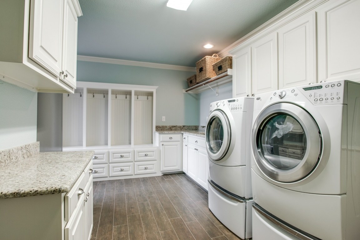 dreamy laundry and mudroom