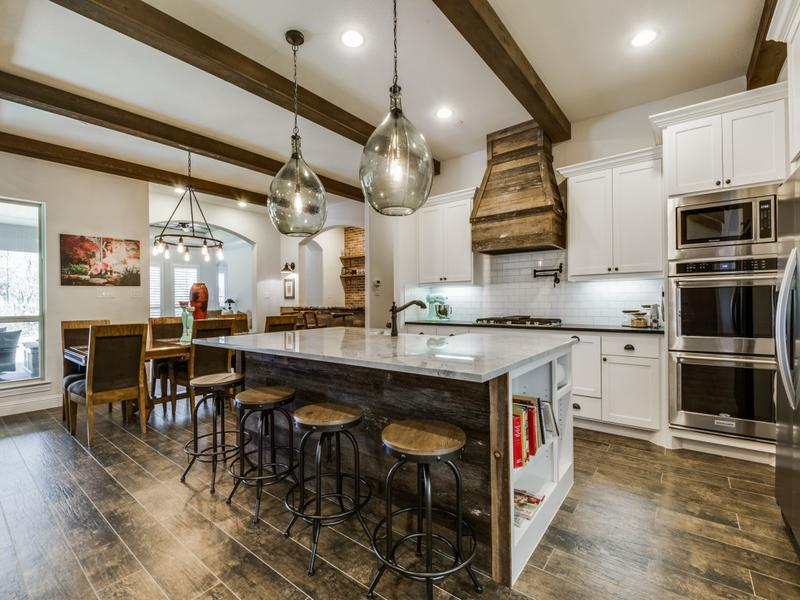 custom home farmhouse kitchen