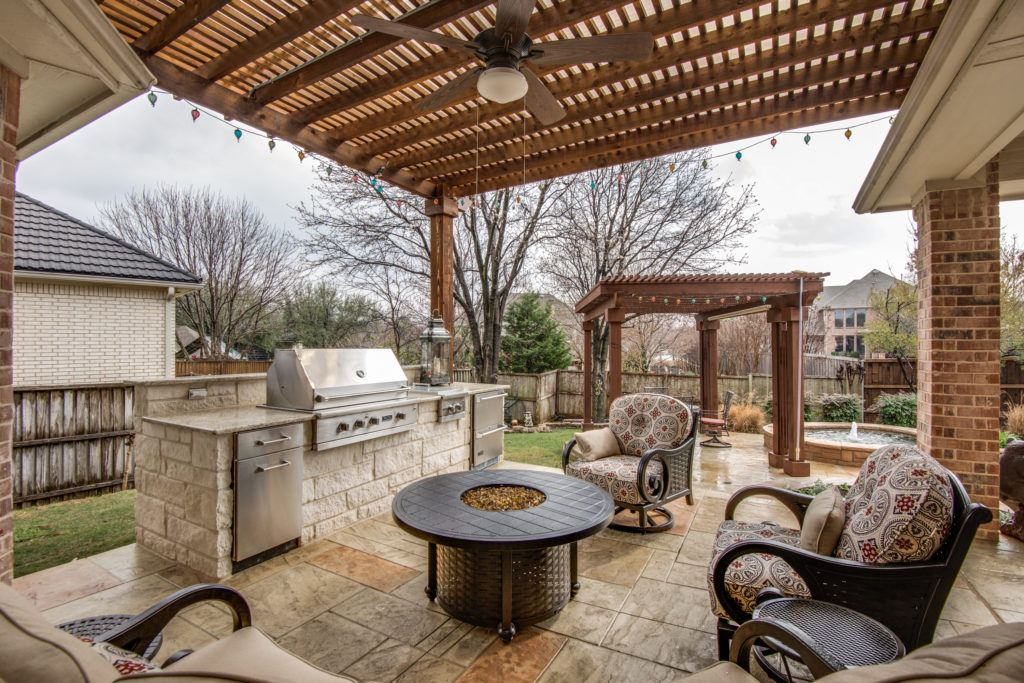 Outdoor Entertainment - outdoor living space
