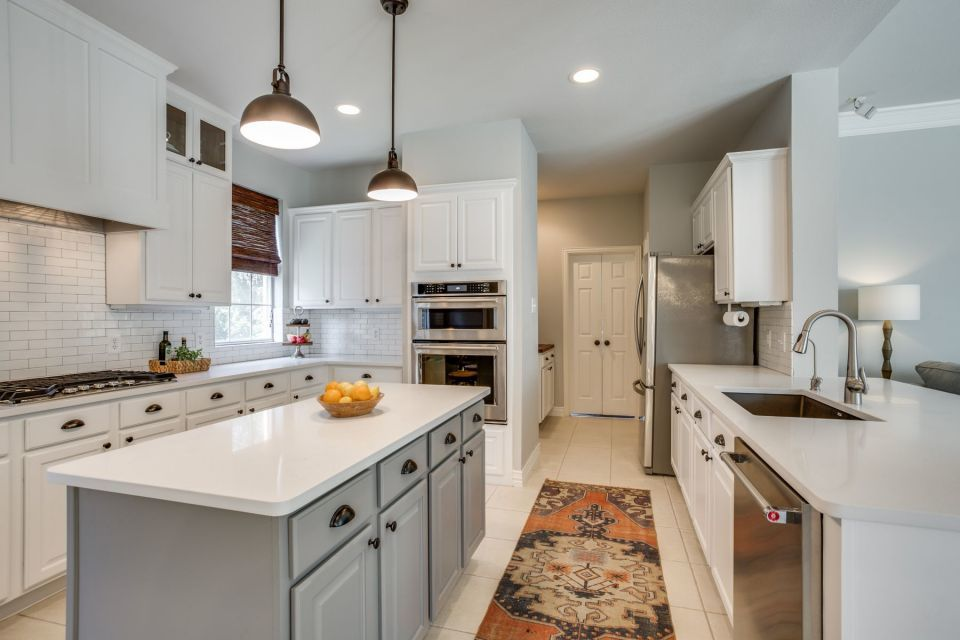 things to consider when remodeling a 1970s kitchen