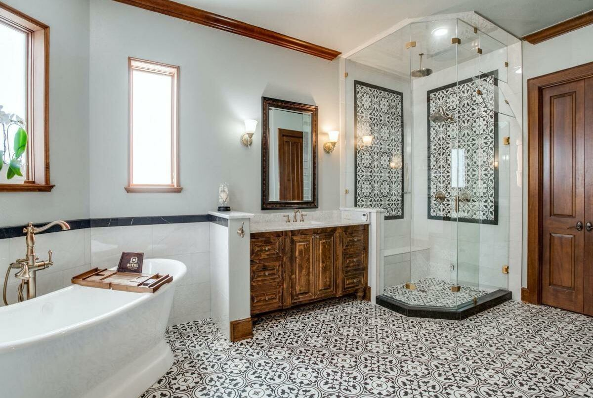 master bathroom with decorative tile